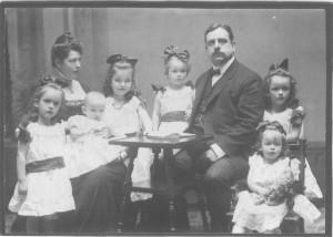 Bruno und Aline Becker mit Kindern 1909