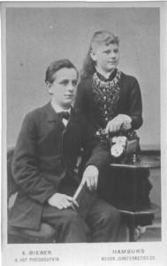 Bruno mit Schwester Sylvia verh. Hansen