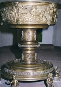 Taufbecken-Goslar-1573