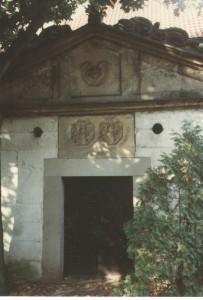 Grabkapelle Voigt-Brauns an der Kirche